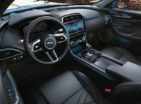 Jaguar Xe 2020 (2)