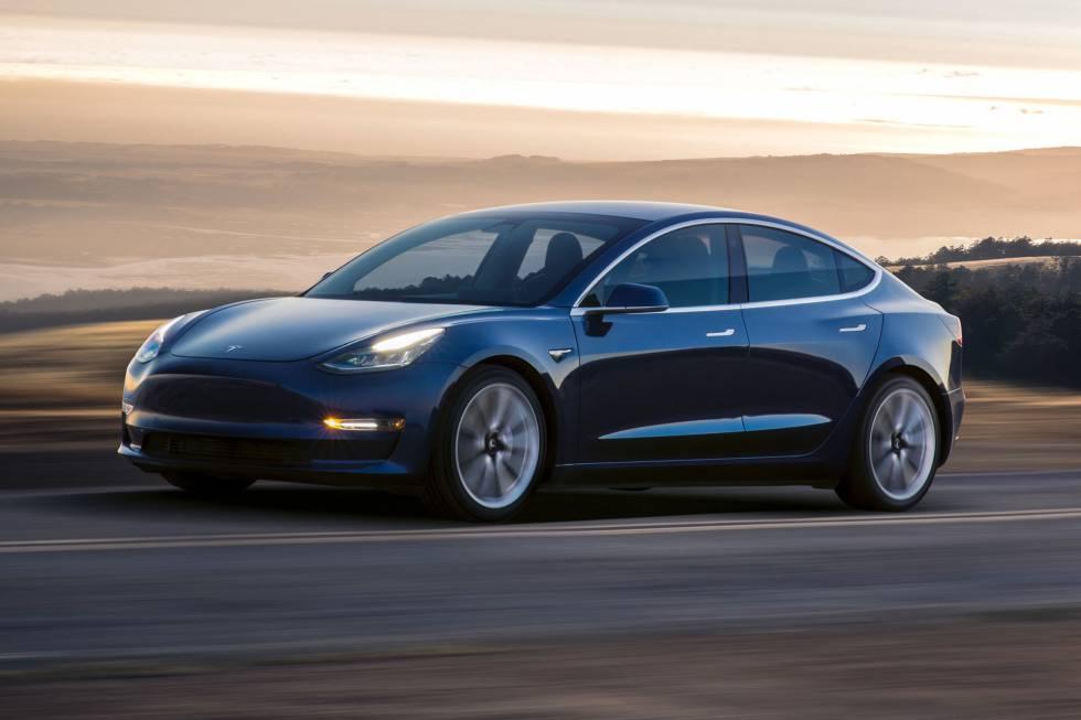 Tesla Model 3 Piloto Automático Deshabilitado