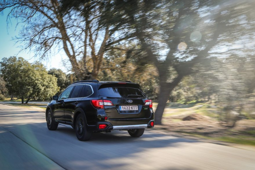 Subaru Outback Black Edition (5)