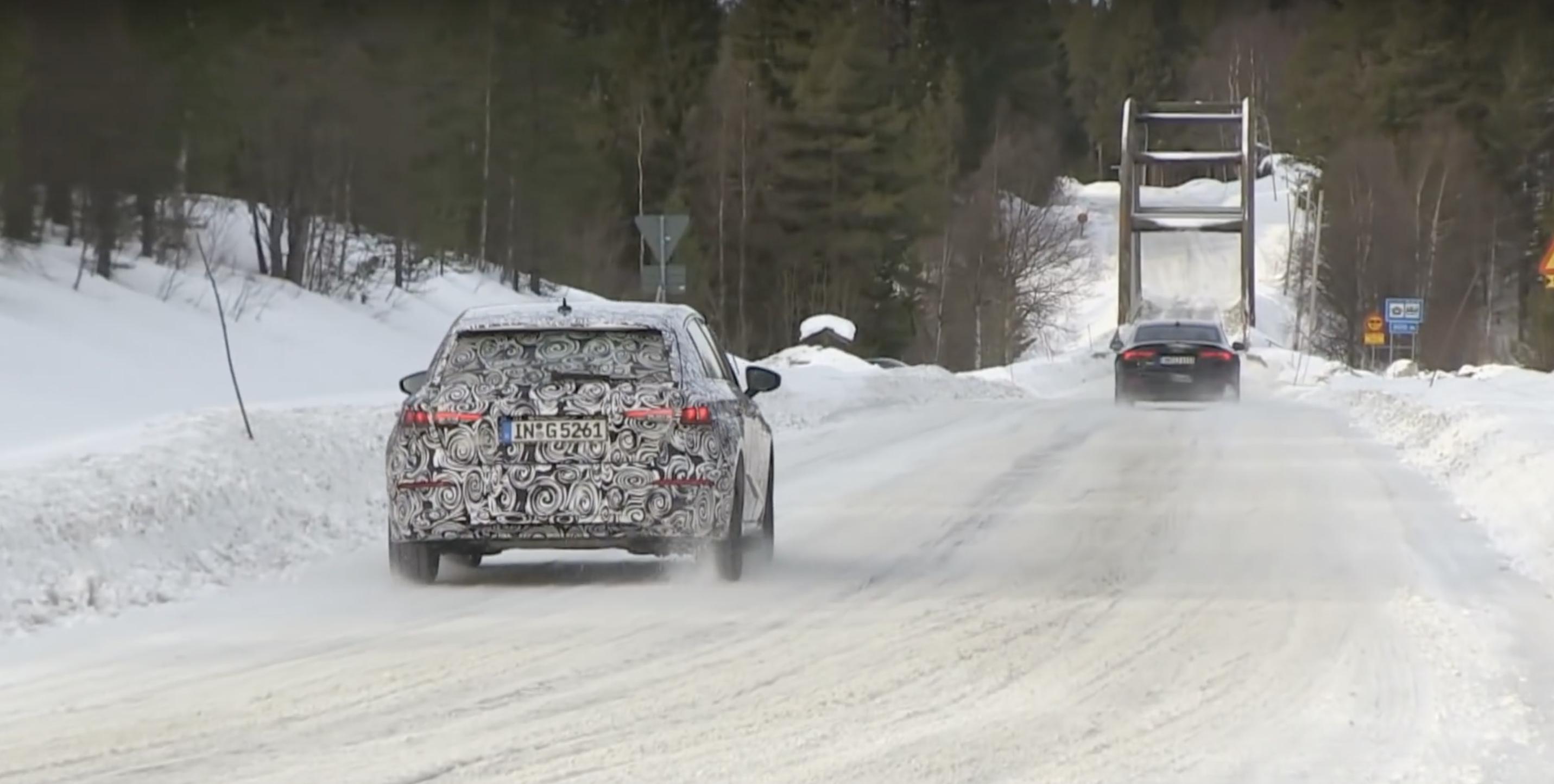 Audi A3 Cuarta Generacion Rodando Camuflaje 01
