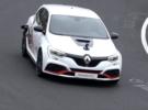 El Renault Megane RS Trophy-R se deja ver rodando en Nürburgring para adelantar su inminente caza de compactos deportivos