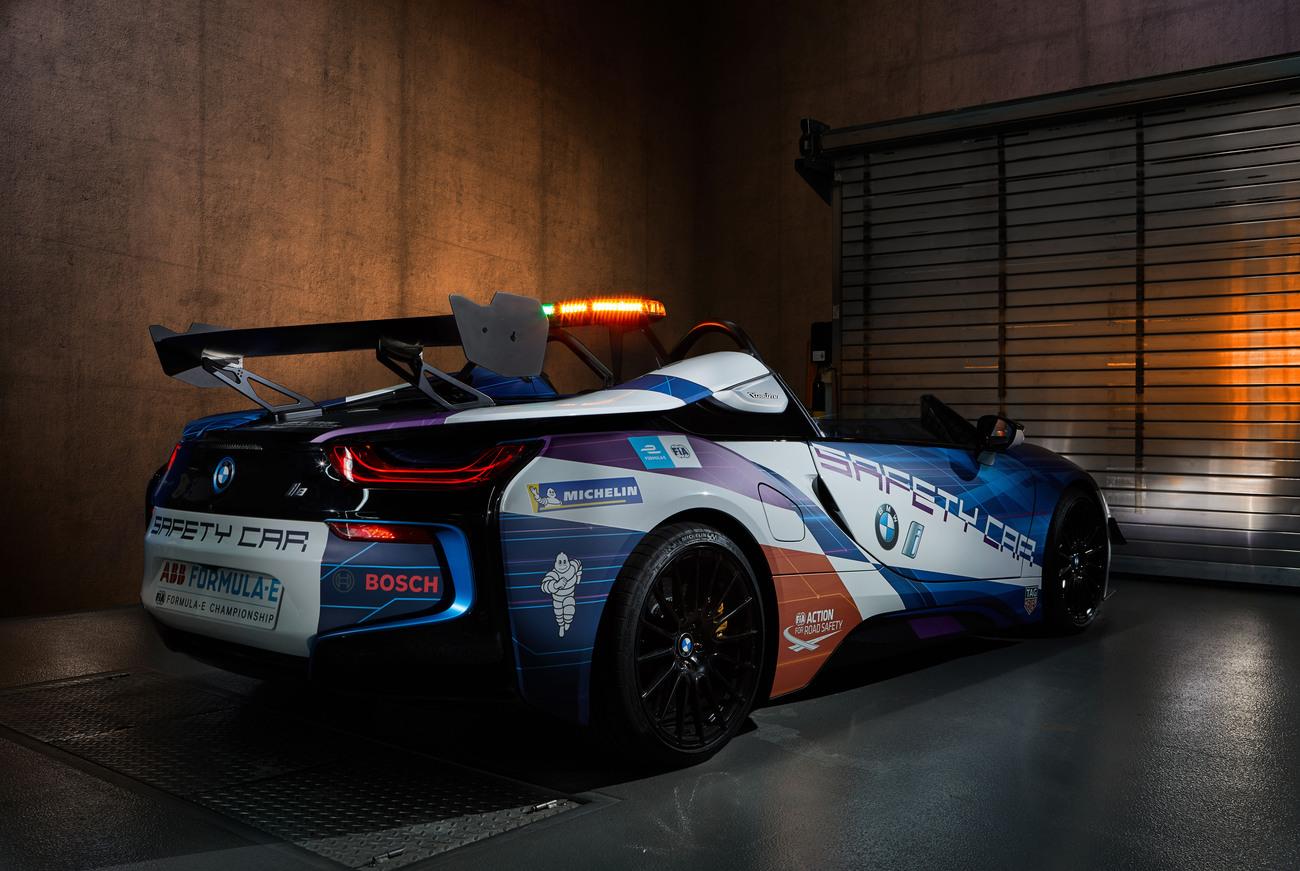 Safety Car BMW i8 Roadster