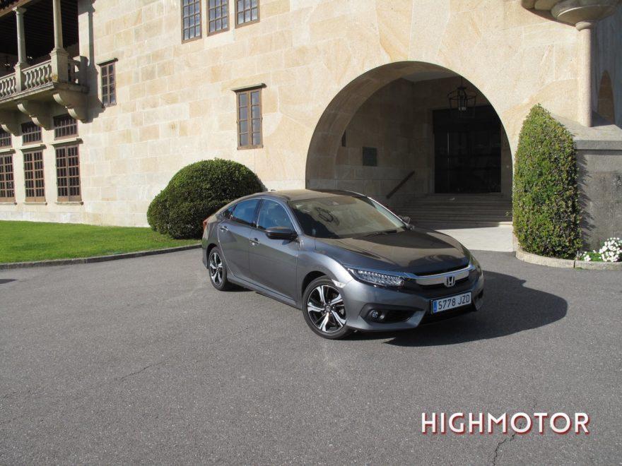 Comparativa Honda Civic Vtec Sedan Vs Civic I Dtec Cinco Puertas 01