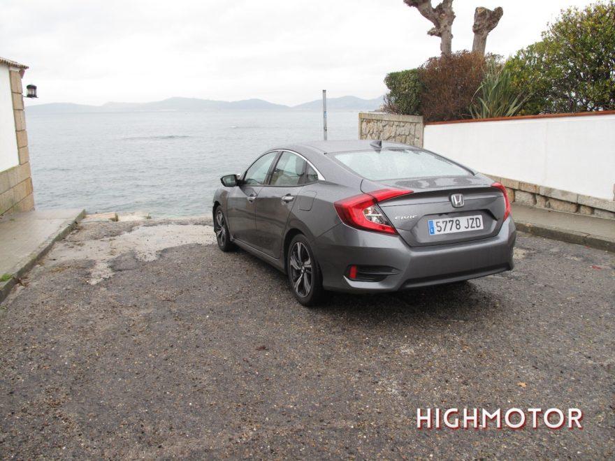 Comparativa Honda Civic Vtec Sedan Vs Civic I Dtec Cinco Puertas 21