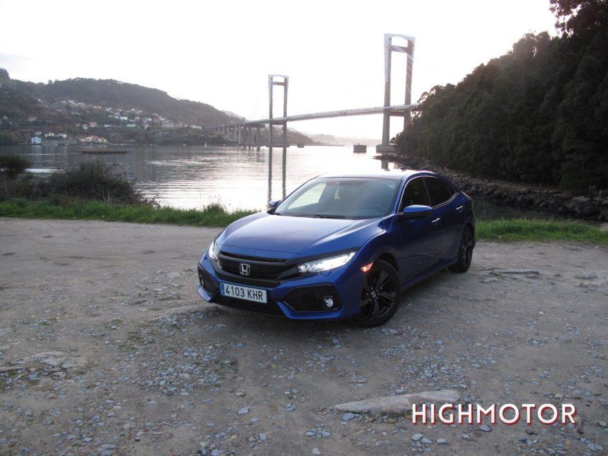 Comparativa Honda Civic Vtec Sedan Vs Civic I Dtec Cinco Puertas 26