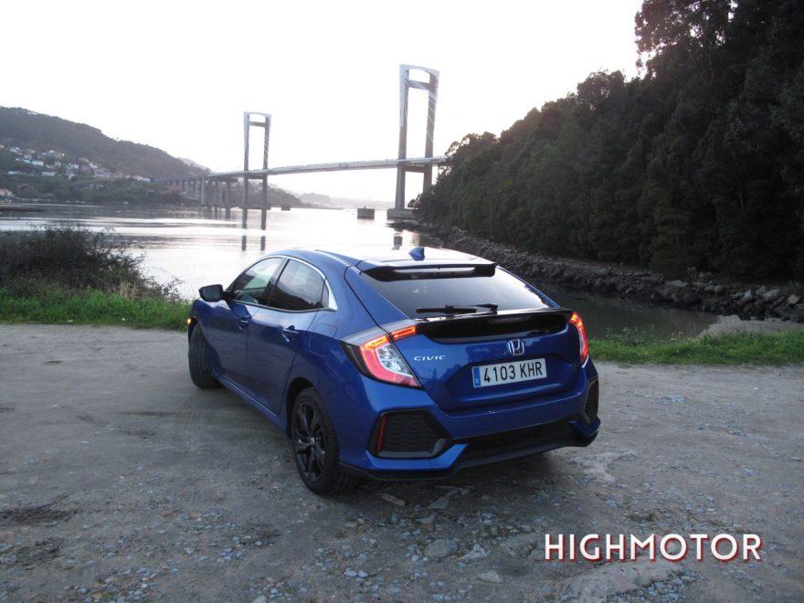 Comparativa Honda Civic Vtec Sedan Vs Civic I Dtec Cinco Puertas 31