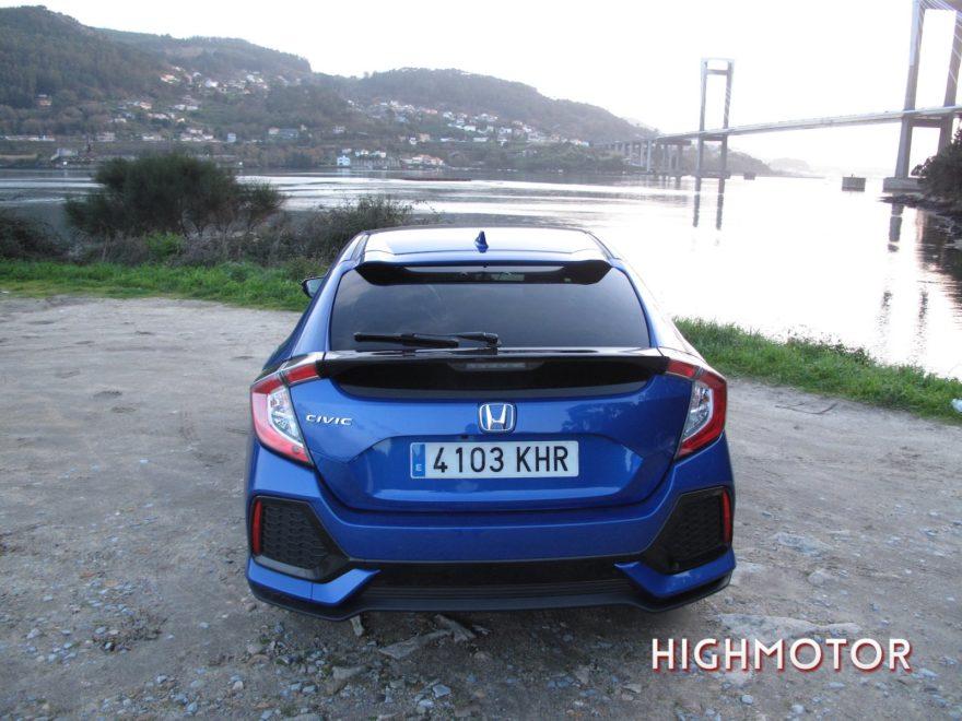 Comparativa Honda Civic Vtec Sedan Vs Civic I Dtec Cinco Puertas 36