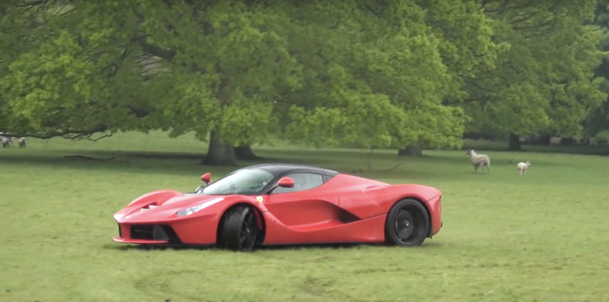 Ferrari Laferrari Conduccion Campo Video 02