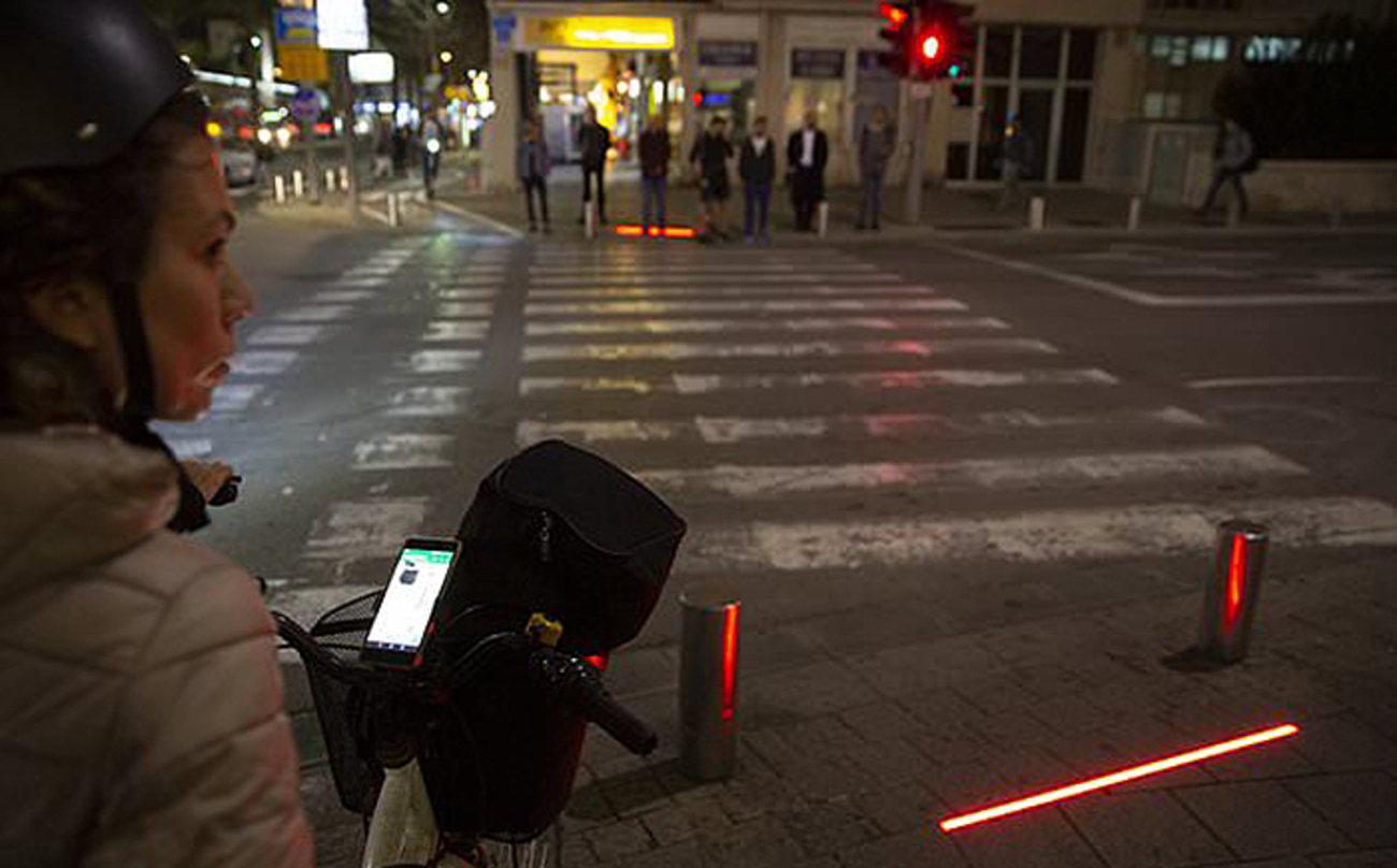 Paso Peatones Para Zombies Israel Detalle