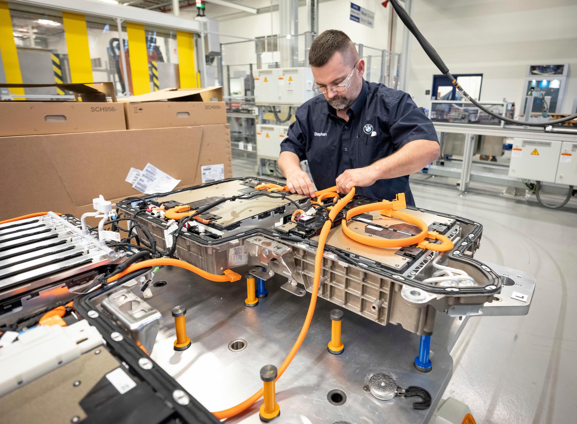 Battery Assembly On 7/16/19 File: 071519gr56