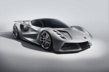 El Lotus Evija, el primer superdeportivo eléctrico de la marca, muestra su potencial sobre la pista