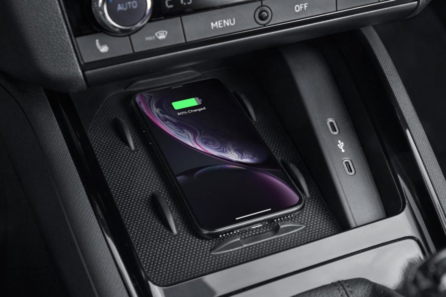 Skoda Apple Carplay Android Auto Inalambrico 01