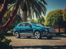 Bentley Bentayga Hybrid 1
