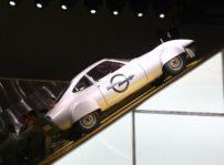 Opel quita el polvo al Elecktro GT para afianzar su apuesta por el coche eléctrico