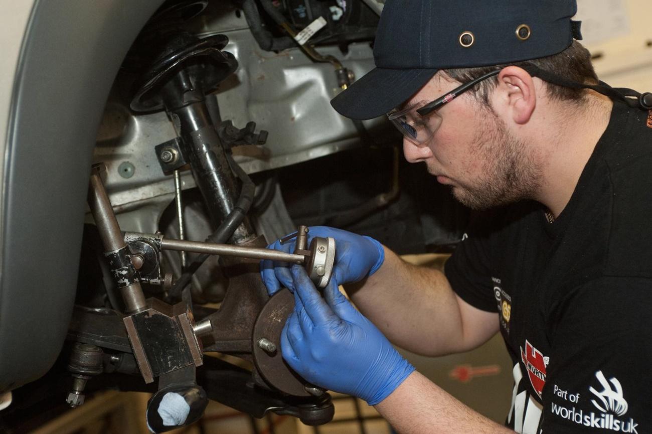 Taller Mecánicos Revisión Avería Mantenimiento