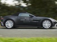 Aston Martin Vantage Roadster (1)
