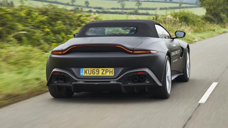 Aston Martin Vantage Roadster (3)