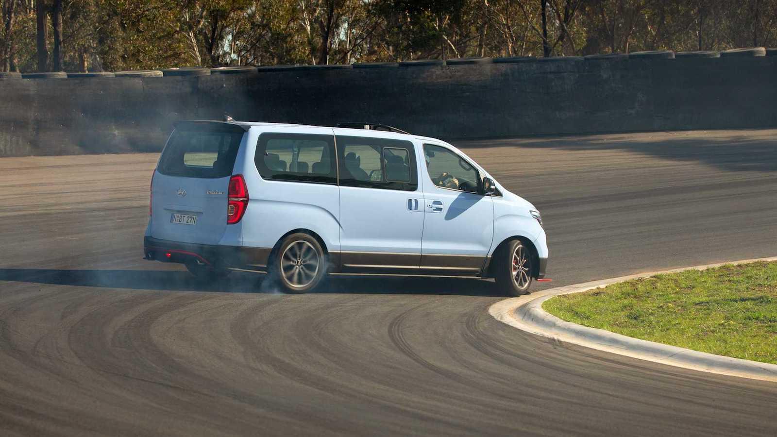 Hyundai Imax N Drift Bus 5