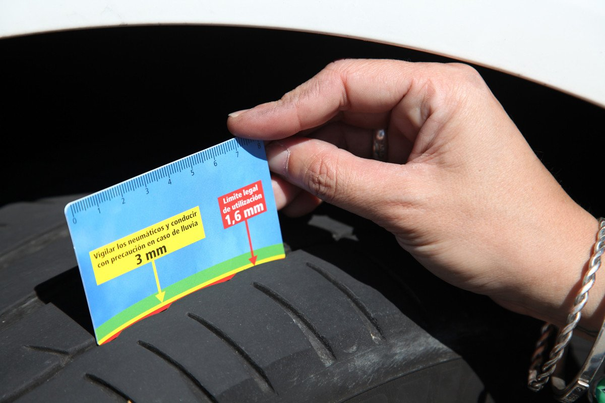 Neumáticos Gastados Cuanto 1