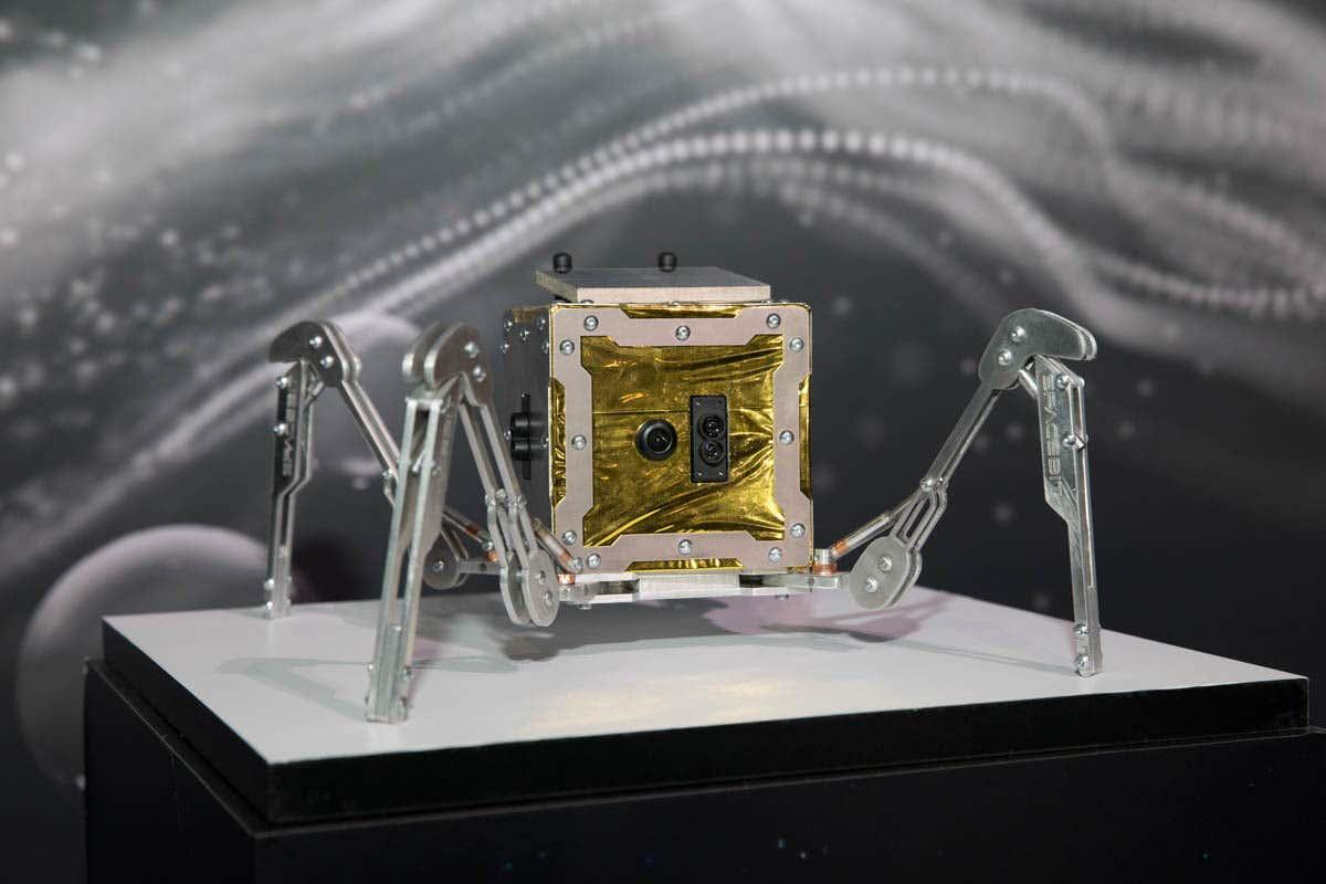 Spacebit Robot Araña Reino Unido 2
