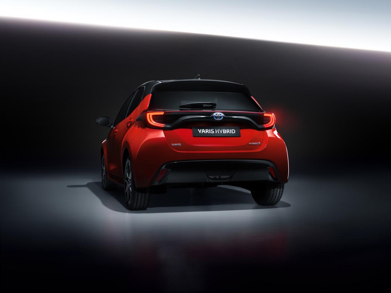 Toyota Yaris Híbrido 2020 14