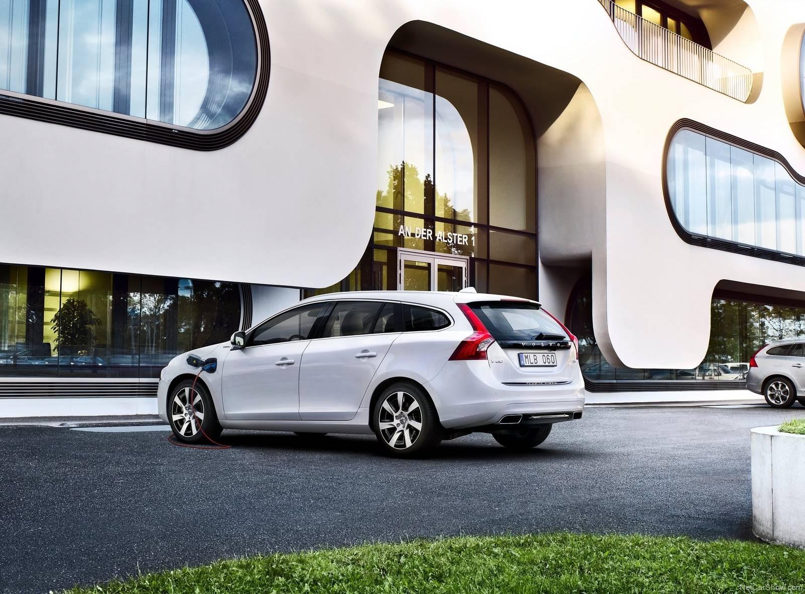 Volvo V60 Plug In Hybrid 2014 1600 0e
