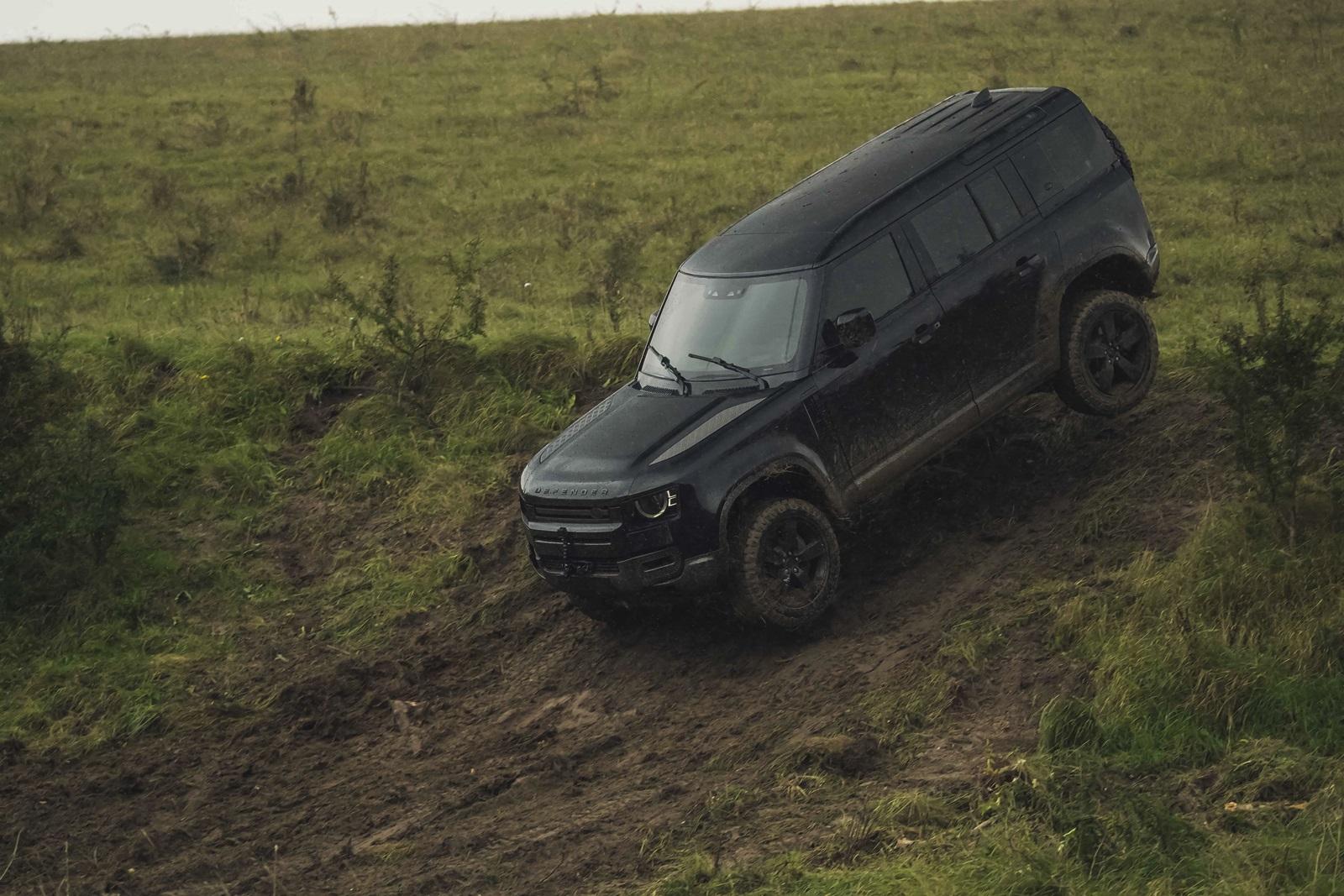 Land Rover Defender Sin Tiempo Para Morir (1)