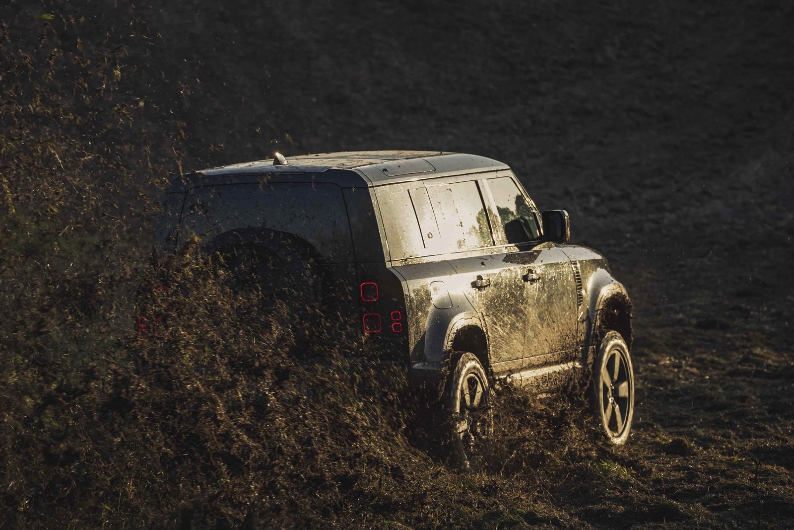 Land Rover Defender Sin Tiempo Para Morir (3)