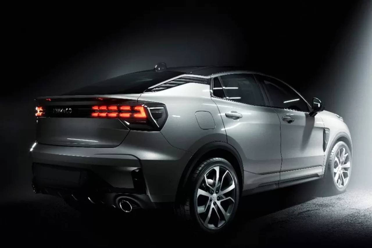 Lynk Co 05 Crossover Coupe Teaser 2