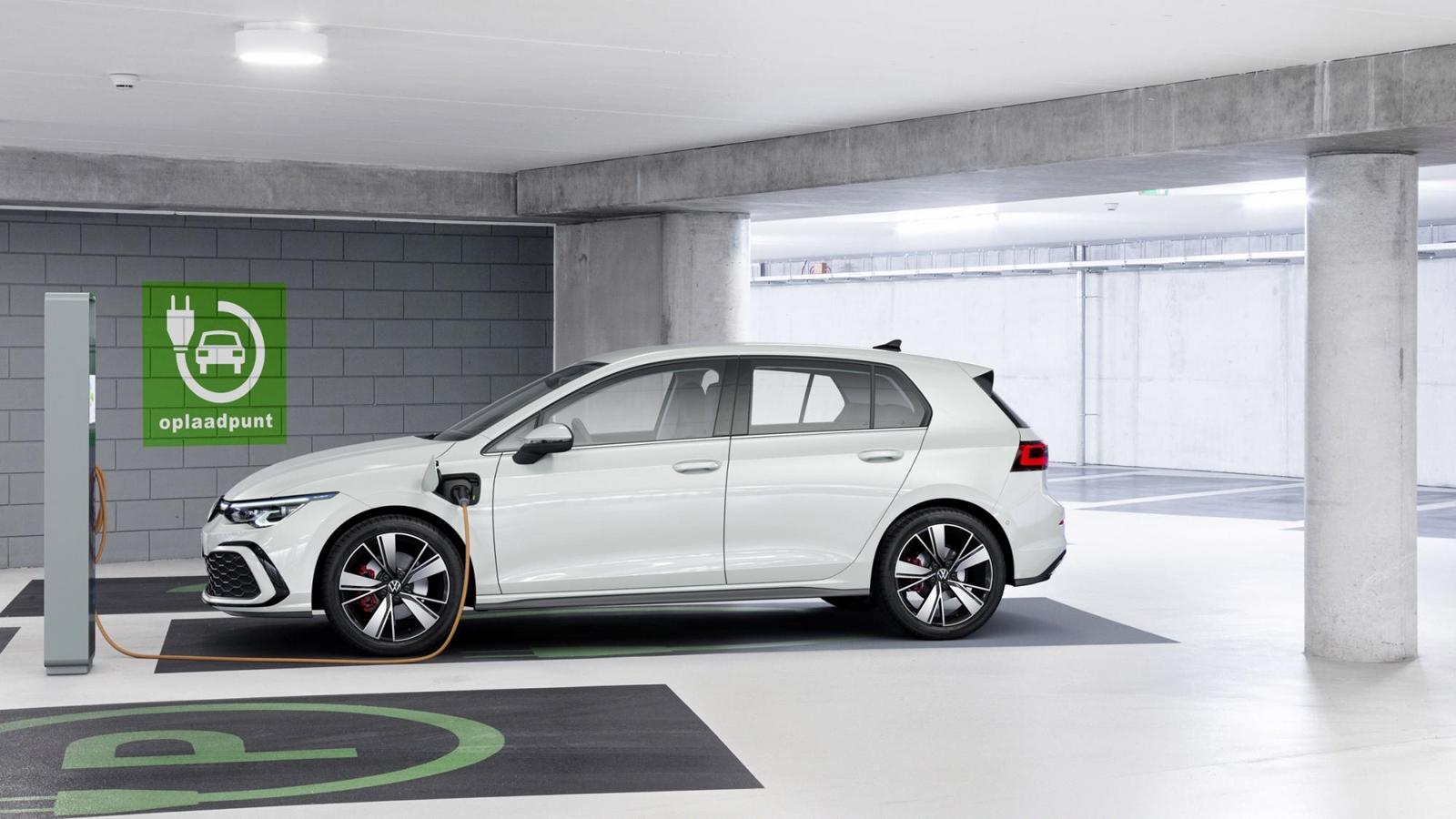 Volkswagen Golf 2020 (5)