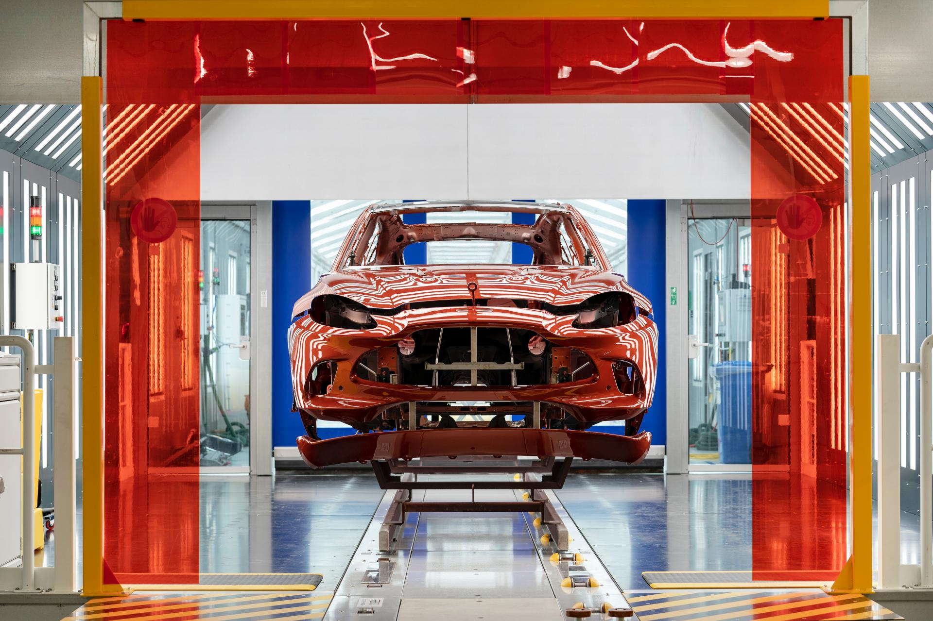 2020 Aston Martin Dbx Rolls Off Assembly Line At New St Athan Plant 2