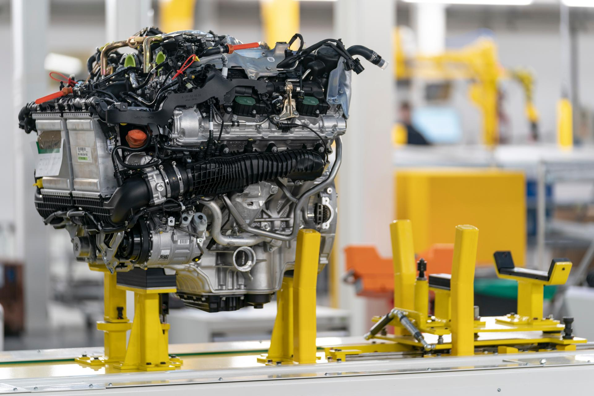 2020 Aston Martin Dbx Rolls Off Assembly Line At New St Athan Plant 5