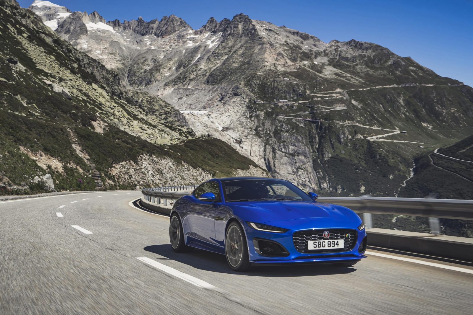 Jag F Type R 21my Velocity Blue Reveal Switzerland 02.12.19 06