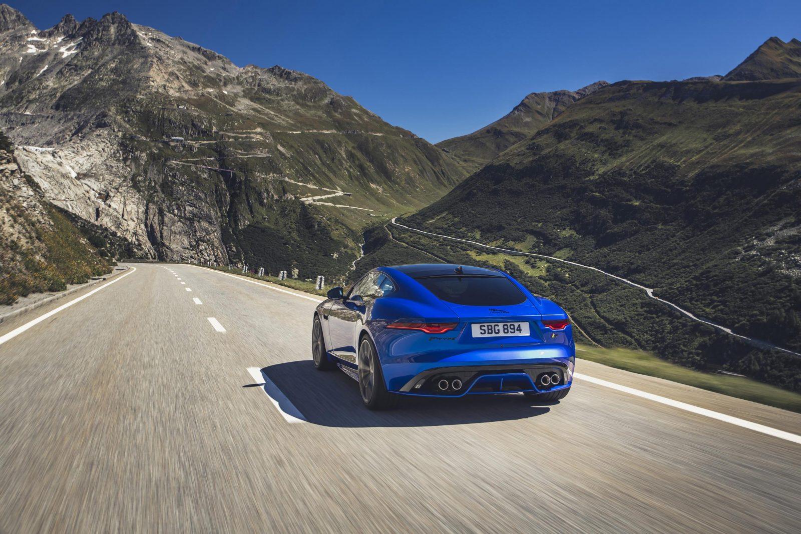 Jag F Type R 21my Velocity Blue Reveal Switzerland 02.12.19 08