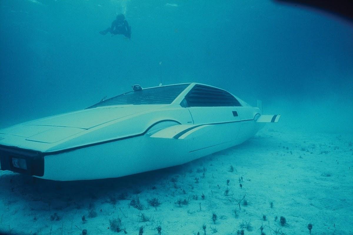 Lotus Esprit James Bond 5