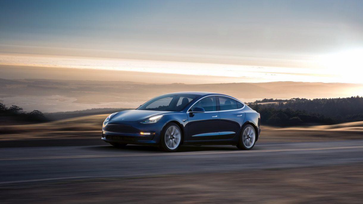 Tesla Model3 (1)