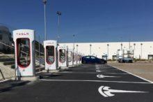 Llega a Europa el supercargador Tesla V3, aunque todavía no está en España