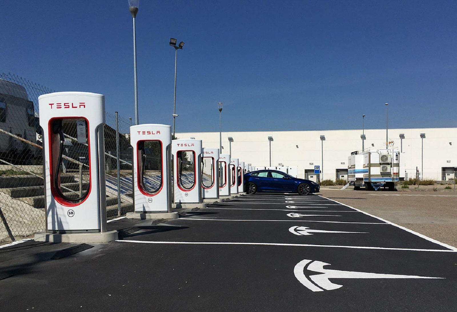 Tesla Supercargadores V3 Europa