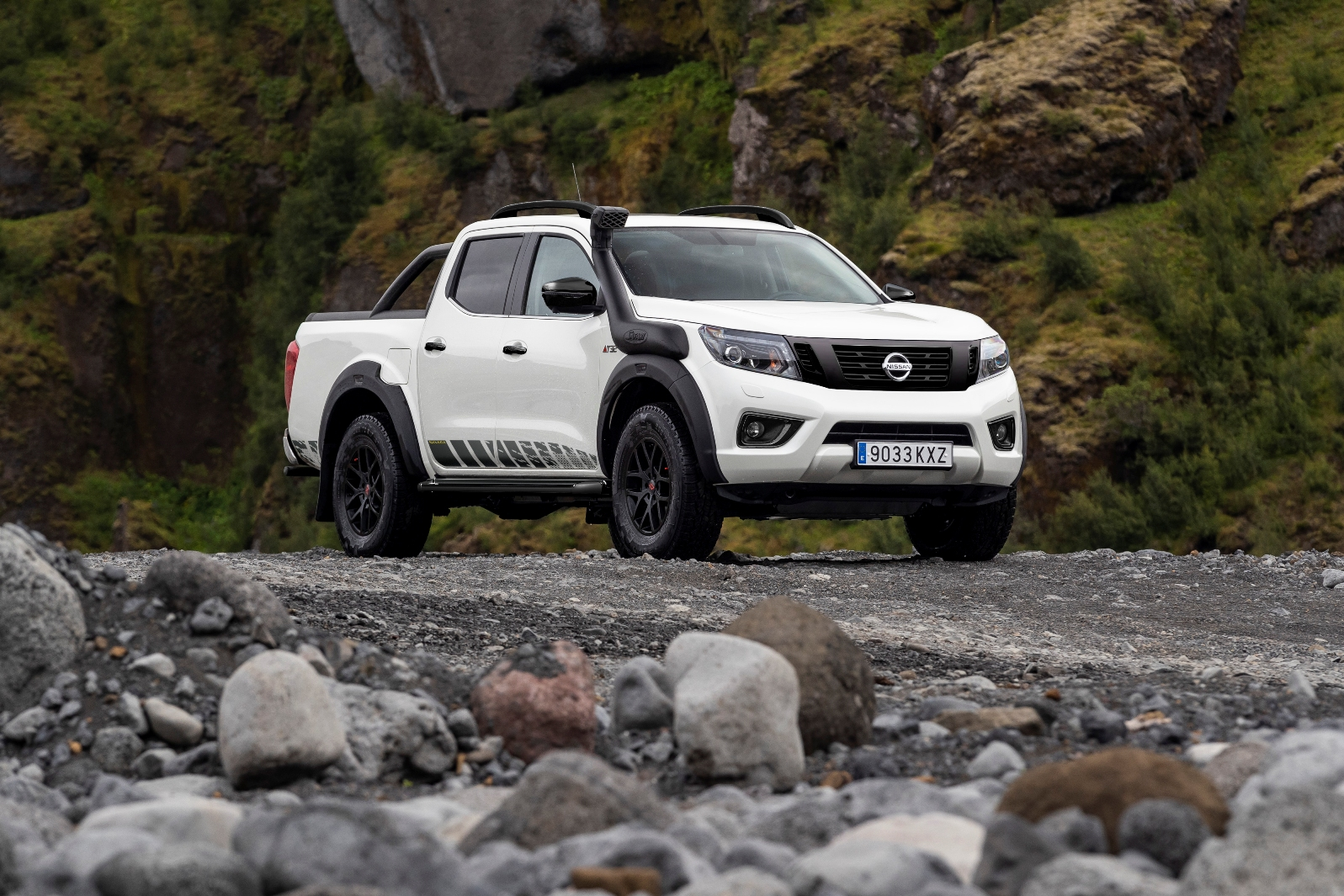 Nissan Navara Off Roader At32 (3)