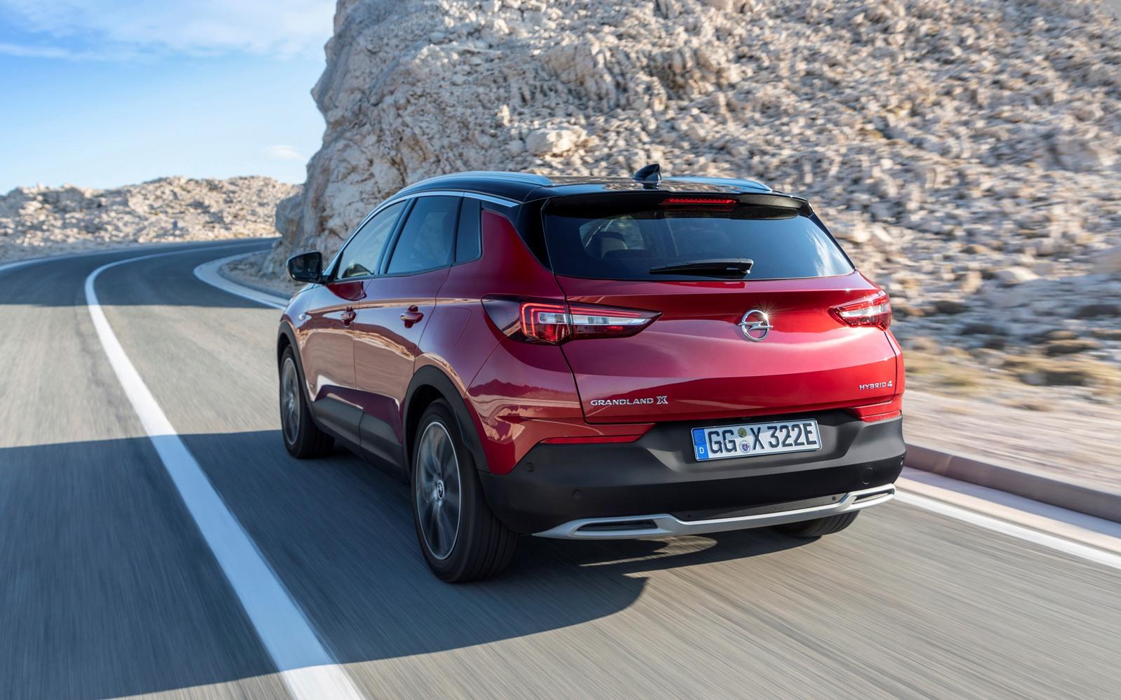 Opel Grandland X Hybrid4 (11)