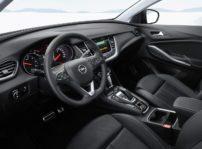 Opel Grandland X Hybrid4 (3)