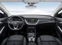 Opel Grandland X Hybrid4 (4)