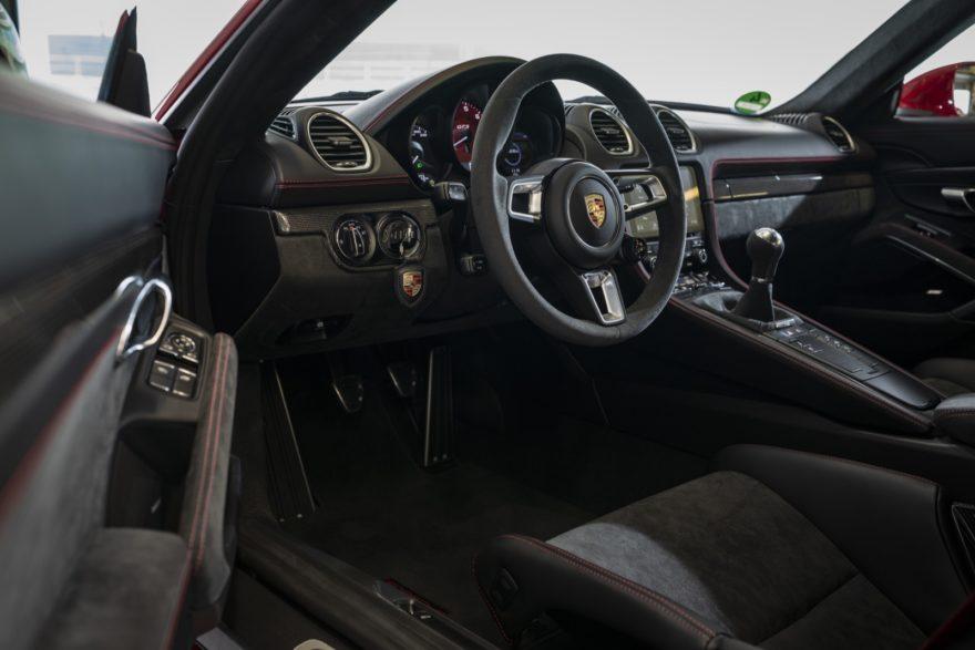 Porsche 718 Cayman Gts 17