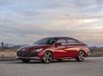 Hyundai Elantra 2021 (1)