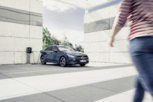 Los Mercedes-Benz Clase A EQ Power ya están en España para combatir la contaminación