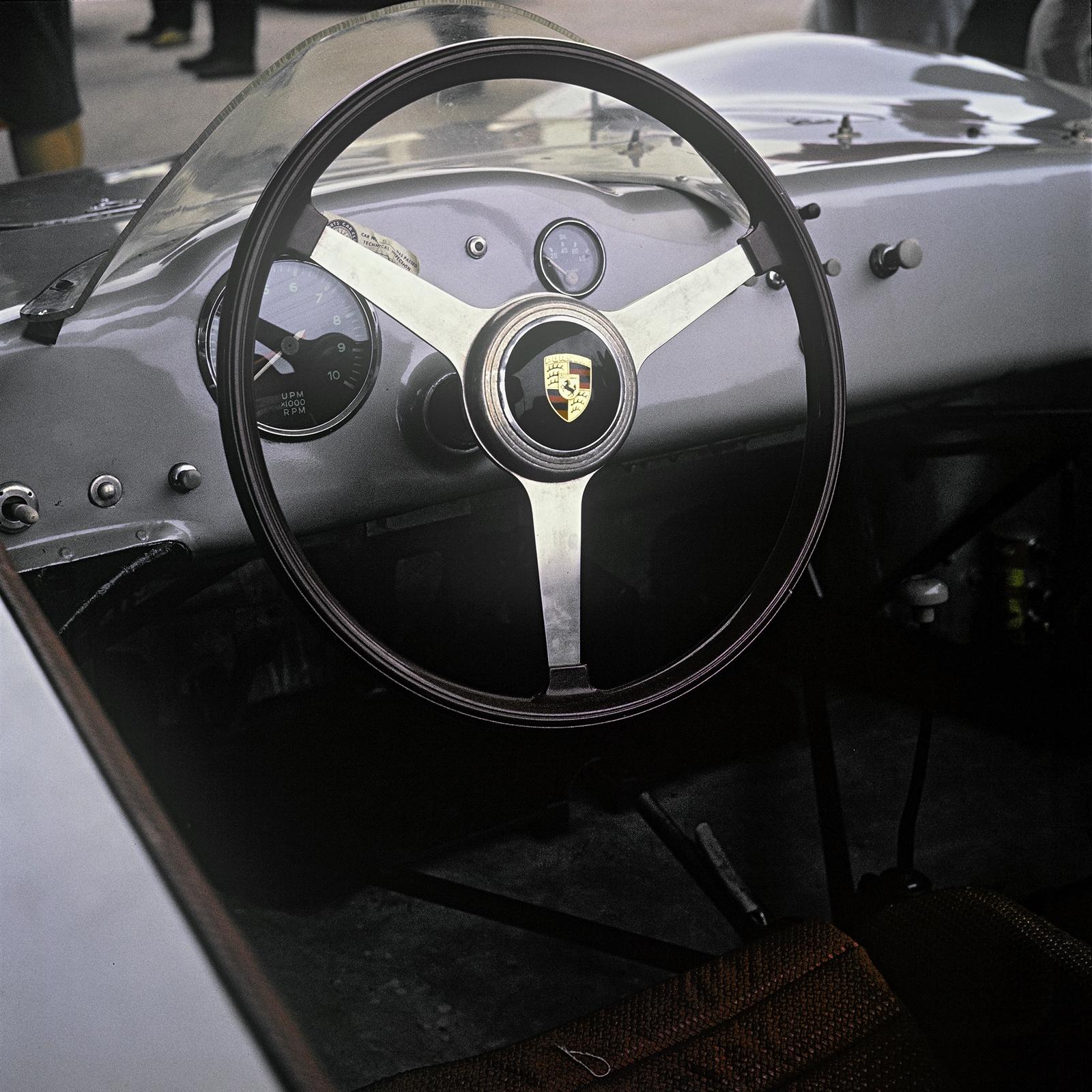 Evolución Volantes Porsche (13)