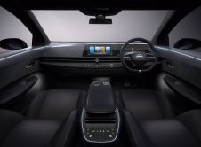 Nissan Ariya Concept 8
