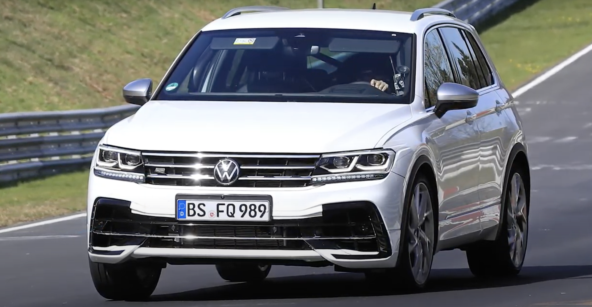 Volkswagen Tiguan R 2021 1