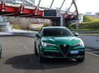 Alfa Romeo Stelvio Quadrifoglio 2020 (2)