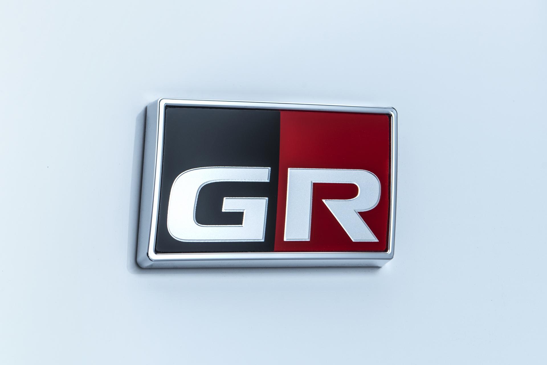 Toyota Corolla Sport Grmn (1)